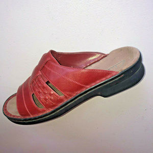 Clark's Red Leather Sandals Slides Women's Sz 10 M